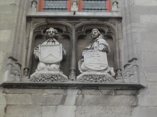 פסלים בברוז'